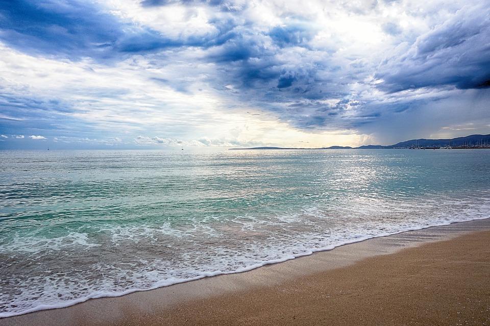 Aguas de playas y continentales
